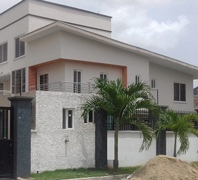 A beauteously built 4 bedroom fully detached duplex and a room BQ