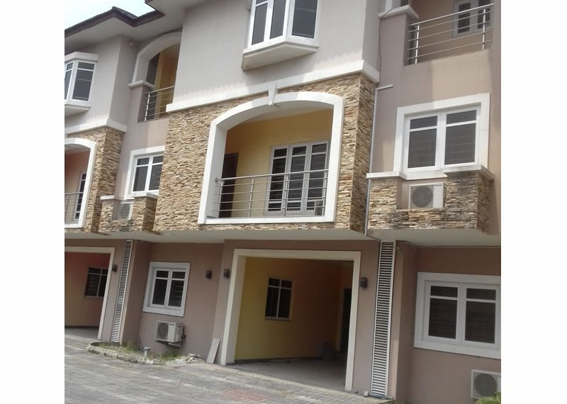 Exquisite 4 bedroom terrace house with a room boys' quarter
