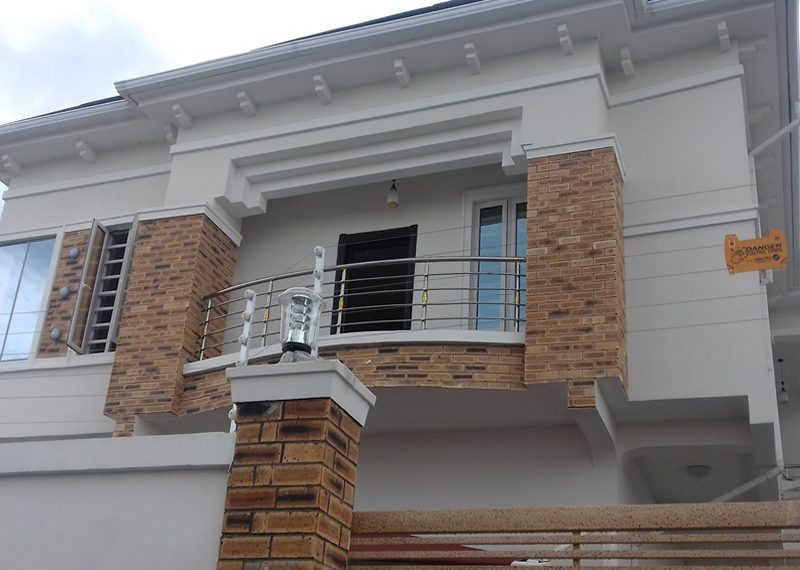 A luxury, smart 5 bedroom fully detached duplex with 2 rooms BQ
