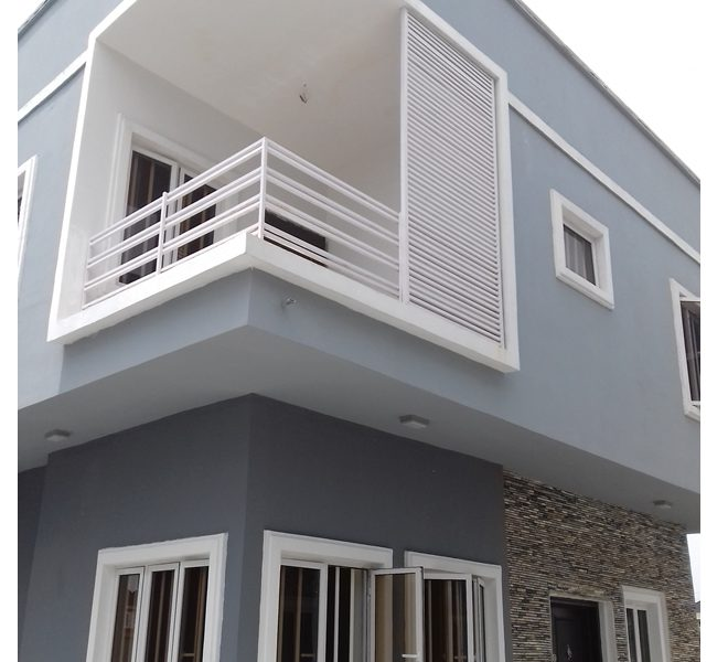 An exquisite 5 bedroom fully detached duplex with a room boy's quarter