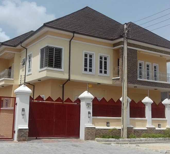 A newly built 5 bedroom fully detached duplex with a room boys' quarter