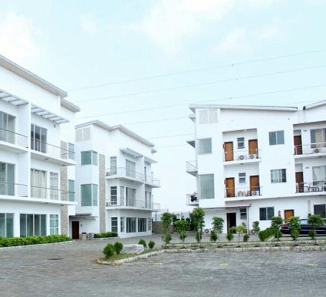 A fully serviced 2 bedroom flat and a room BQ