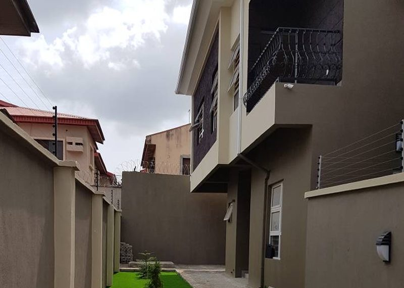 A brand new 5 bedroom detached house with a room BQ