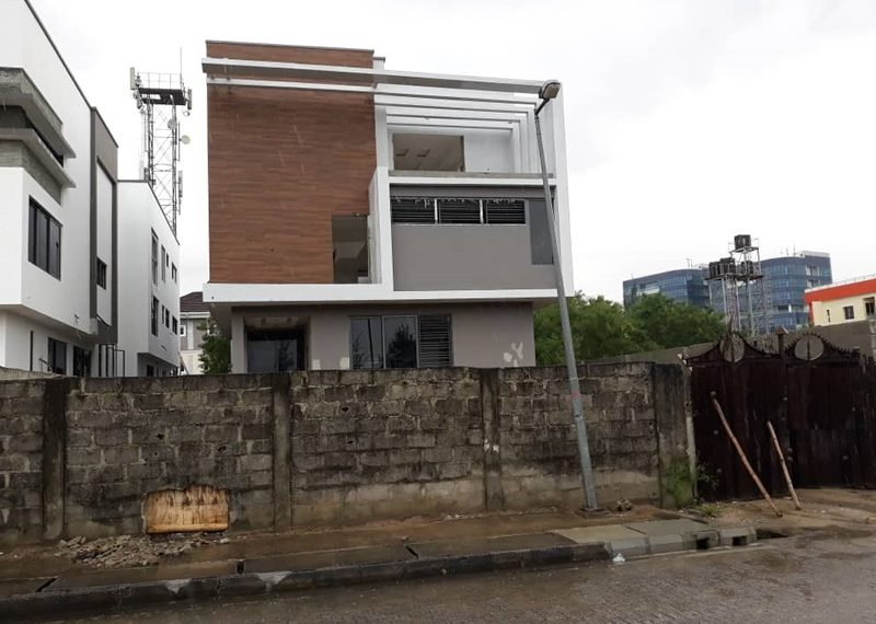 A luxury 5 bedroom fully detached duplex with 2 room's boy's quarter
