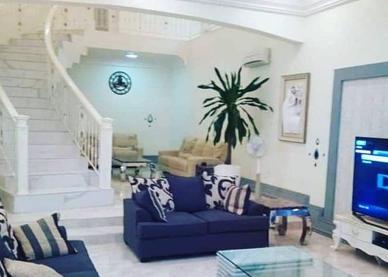 A luxuriously finished and fully furnished 6 bedroom fully detached