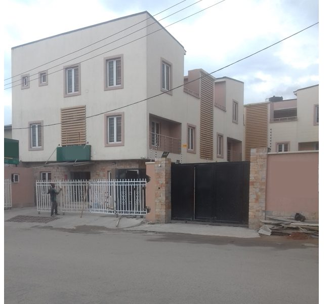 A nicely built 4 bedroom terrace duplex with attached BQ