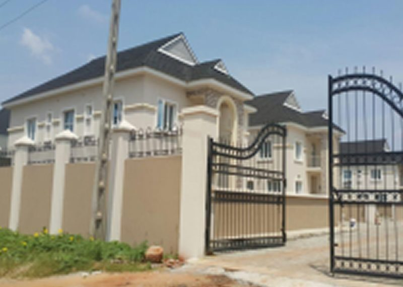 An exquisite 4 bedroom semi-detached house with a room BQ