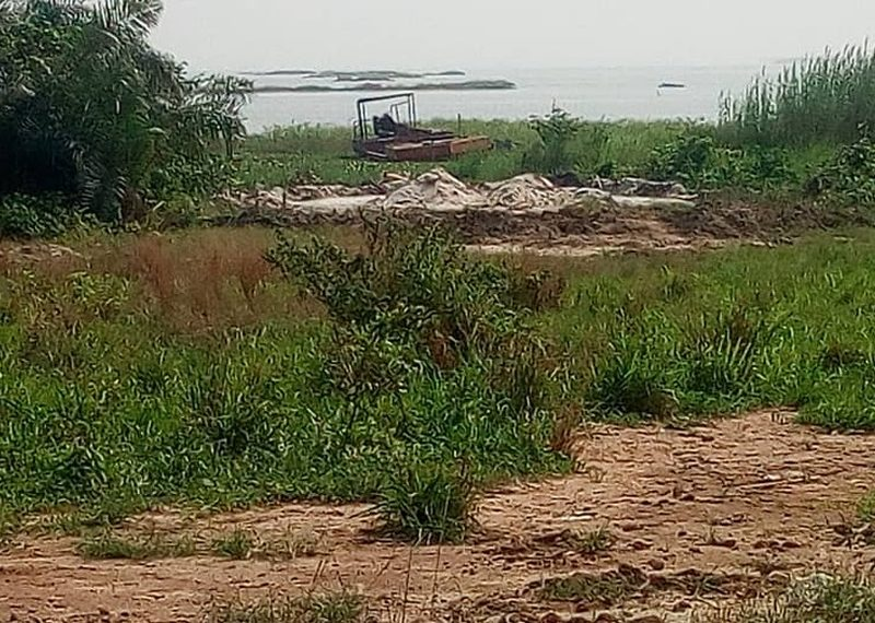 A water front land of 1000sqm for sale in Lagos, Ikoyi, Banana Island.