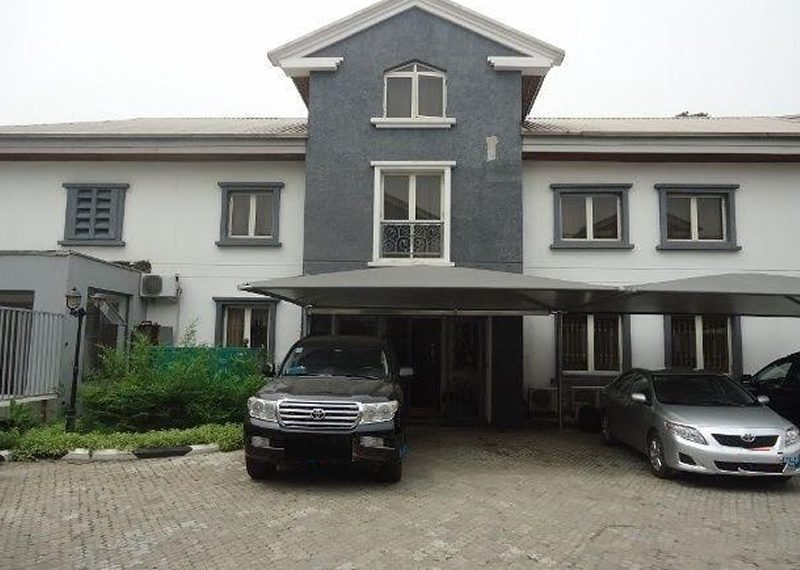 A luxurious 5 Bedroom Terraced Duplex for sale in Lagos, Ikoyi