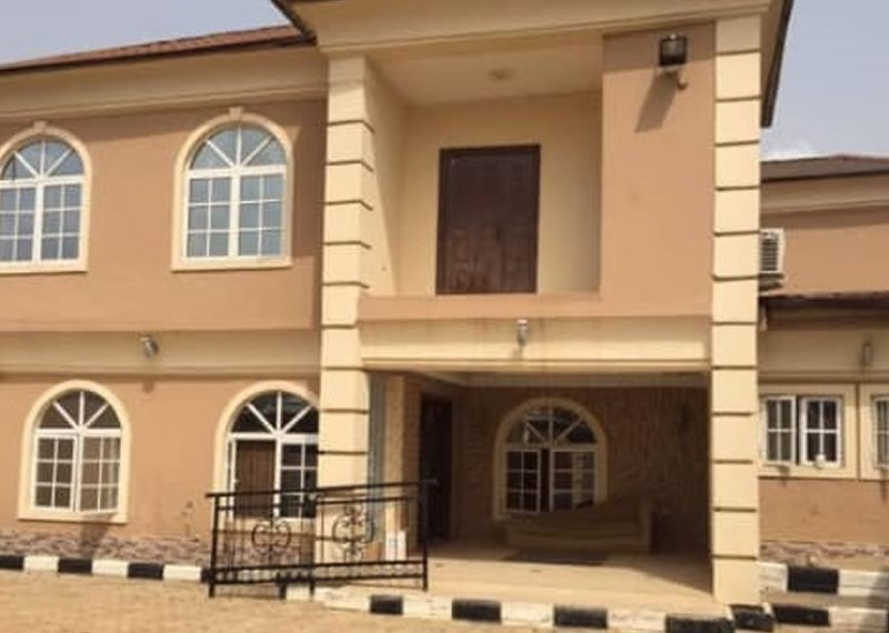 A magnificent 7 bedroom detached duplex for sale in Ogun, Agbado
