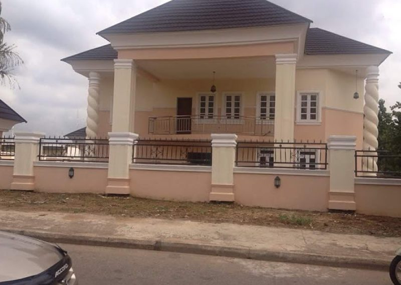 A luxury 6 bedroom detached duplex for sale in Abuja, Asokoro