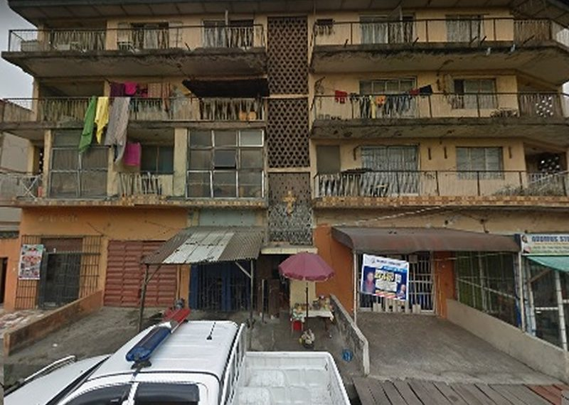 A block of 6 units of 3 bedroom for sale in Lagos, Ojuelegba with six shops
