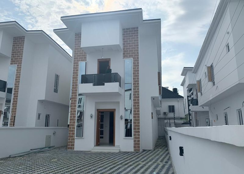 An exquisite 5 bedroom detached duplex for sale in Lagos, Lekki, Osapa