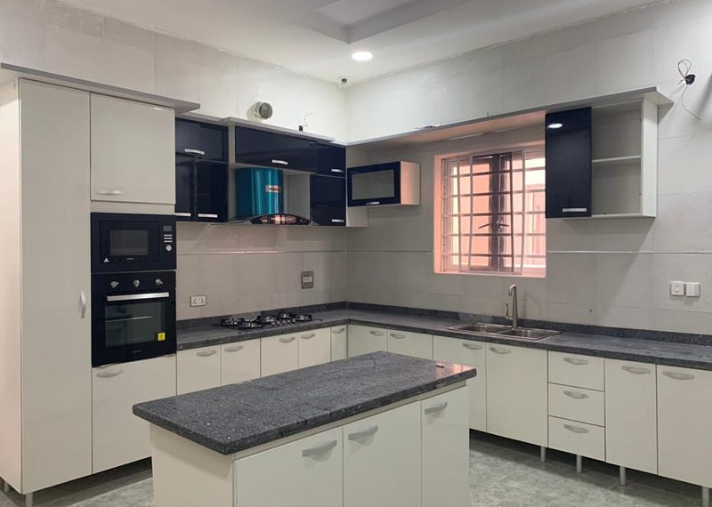 fully detacAn exquisite 5 bedroom detached duplex for sale in Lagos, Lekki, Osapahed house
