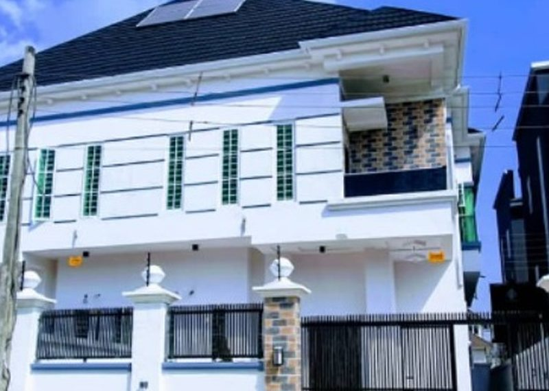 A 5 bedroom semi-detached duplex for sale in Lagos, Lekki, Osapa