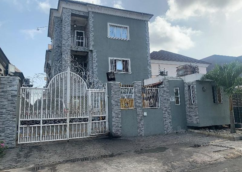 A block of 3 units of 4 bedroom terrace duplex for sale in Lagos, Lekki Phase 1