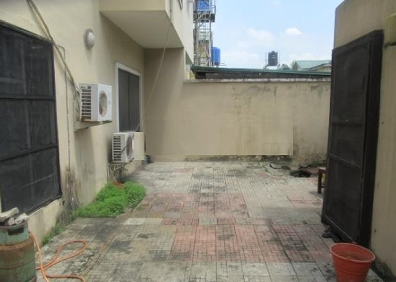 A 5 Bedroom semi-detached duplex for sale in Lekki Phase 1, Lagos