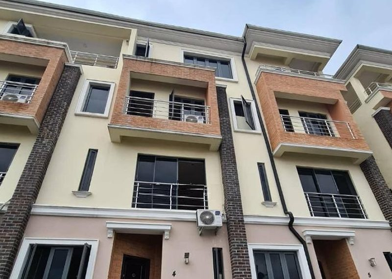 4 bedroom terrace duplex in Oniru