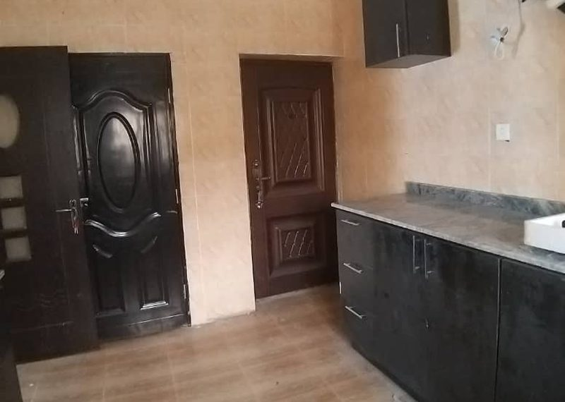 Semi detached duplex for rent in Ilupeju Estate