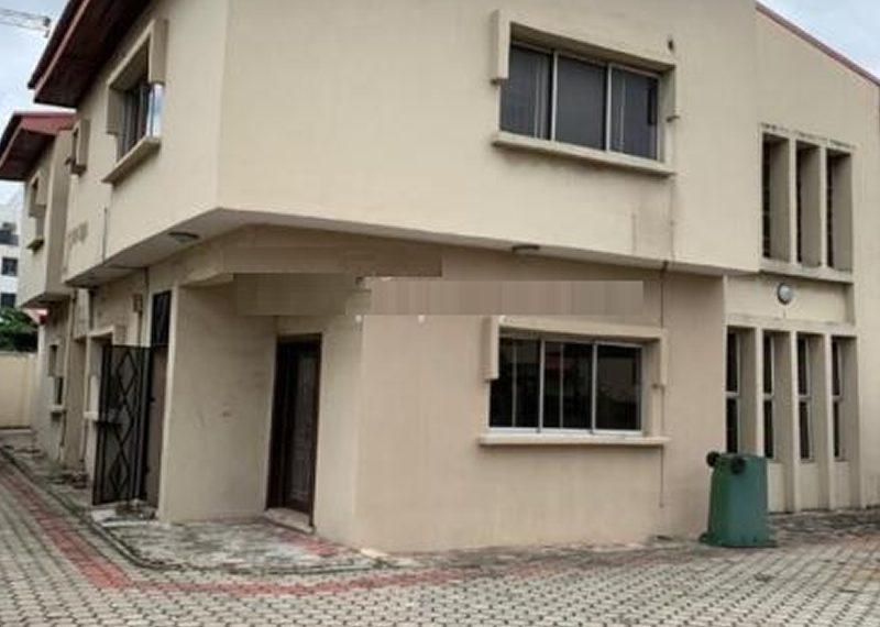 A detached 4 bedroom duplex in Oniru