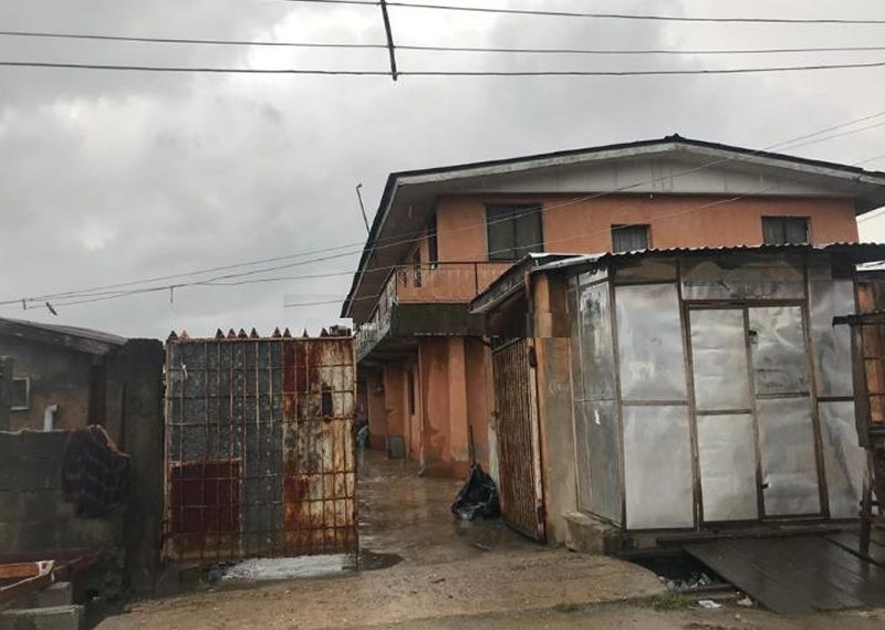 A tenement house for sale in Bariga