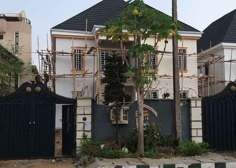 Off plan 5 bedroom fully detached in Magodo Phase 2
