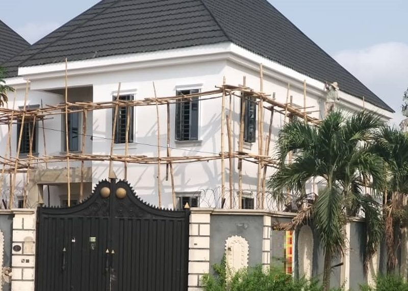 off plan 5 bedroom detached duplex in Magodo Phase 2, 250m