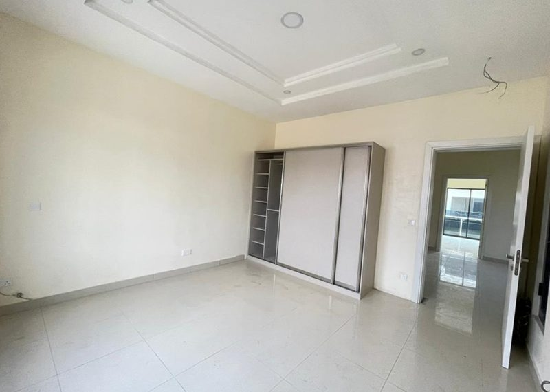 A lovely 4 bedroom terrace duplex with bq