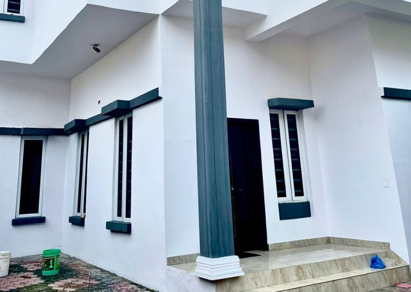 A semidetached house in lekki Southern View