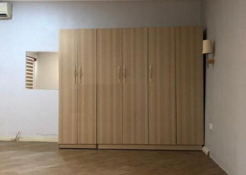 Spacious 3 bedroom flat for sale in Adeniyi Jones