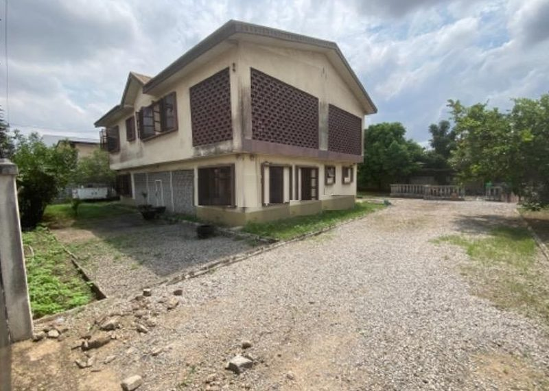 A 7 bedroom detached house in Adeniyi Jones