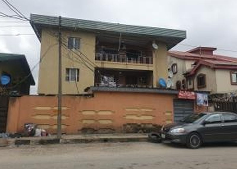 A block of 6 flats for sale in Aguda, surulere