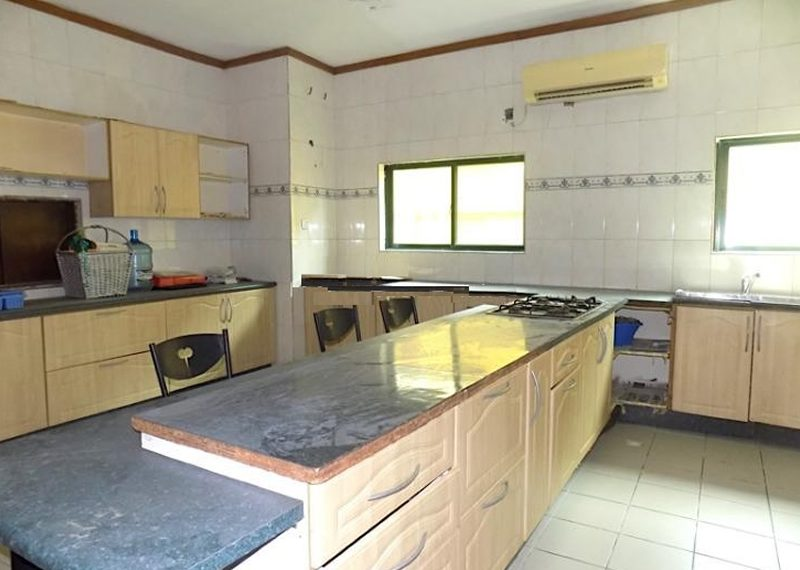 A fully detacehd duplex for sale in VGC
